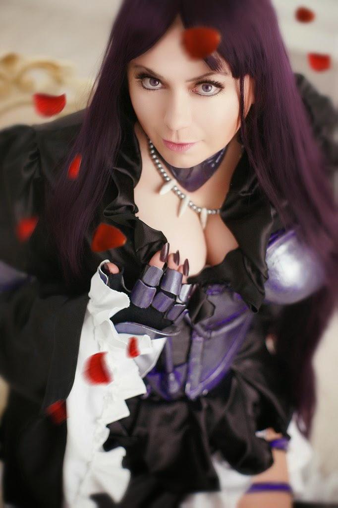 photo de cosplay féminin sexy d'athena du manga saint seya lost canevas