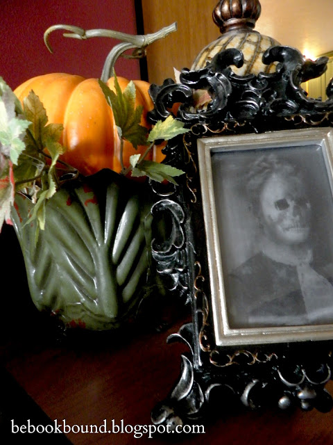 Be Book Bound Fall Poetry An Autumn Home Tour ~ 084731_Halloween Door Hologram