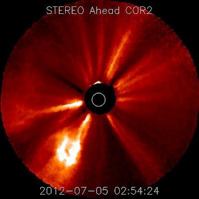 Dos llamaradas solares de clase M se produjo aslrededor de las manchas solares 1515, el 05 de Julio 2012