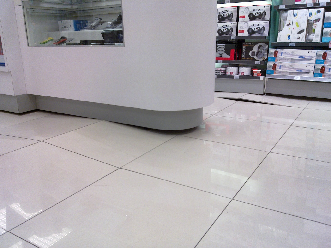 Tile floor substrate