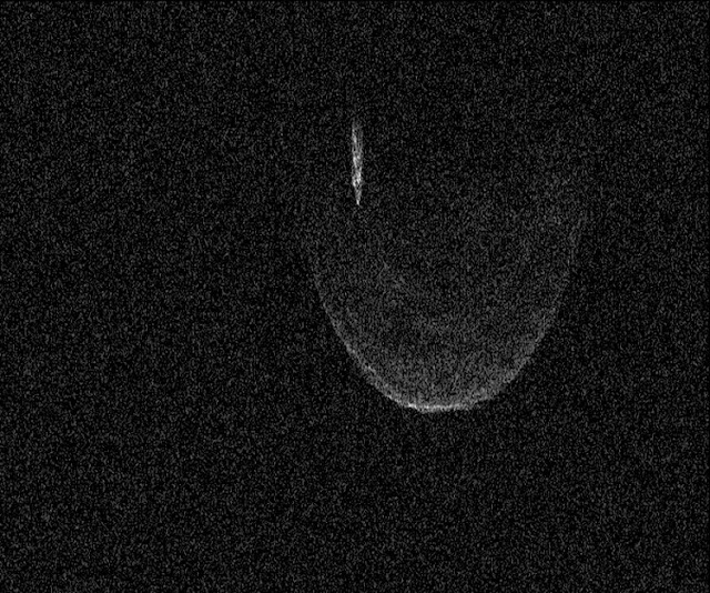 Radar image of Asteroid 1998 QE2 taken on June 7, 2013 as the asteroid and its moon safely passed Earth. Image credit: Arecibo Observatory/NASA/Ellen Howell