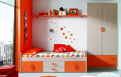 dormitorio blanco y naranja
