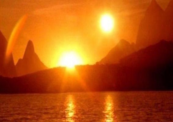 Dua matahari muncul di Amerika Utara