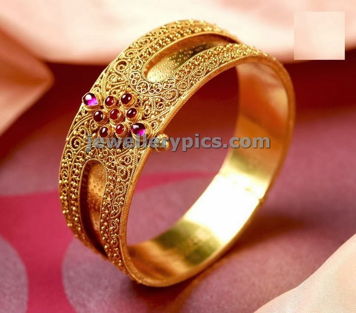 designer gold single bangle