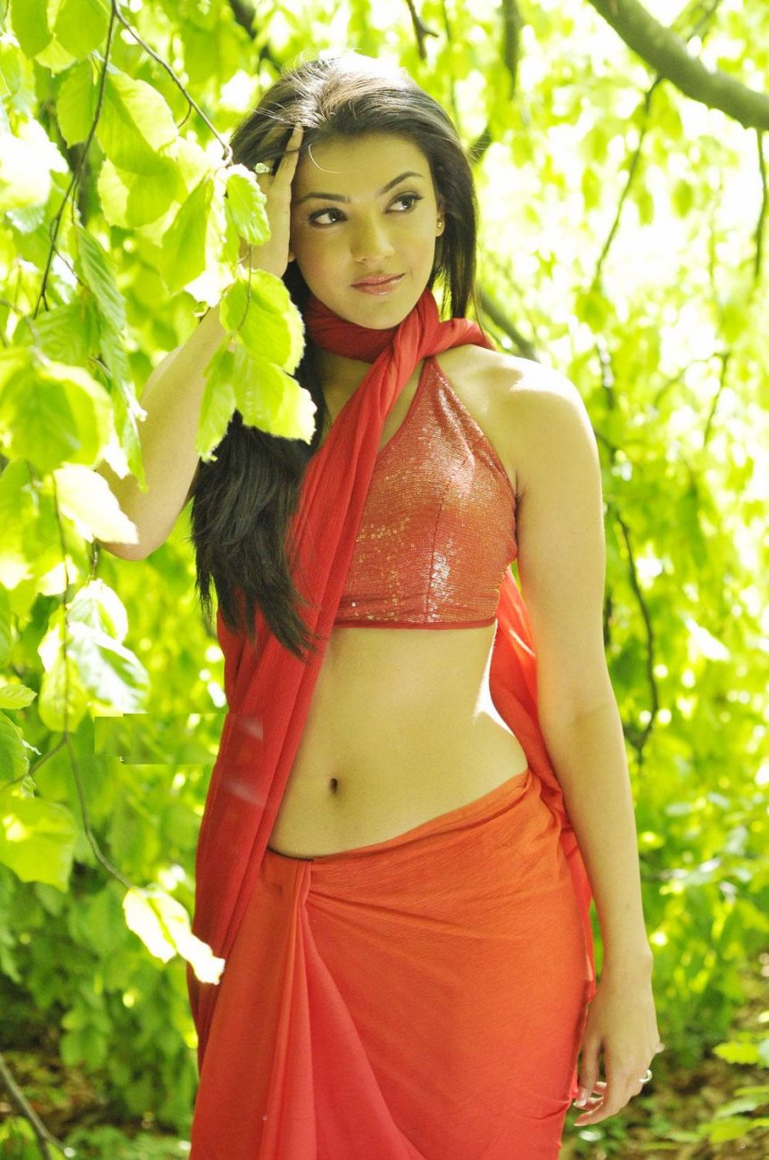 Kajal Agarwal Hot Navel Show Photos