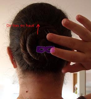 Comment+utiliser+une+%25C3%25A9pingle+%25C3%25A9tape+1+mille+et+une+1001+coiffure+coiffures+coifure+chignon+tuto+tutoriel.JPG