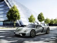 Porsche-918-Spyder-2014-01