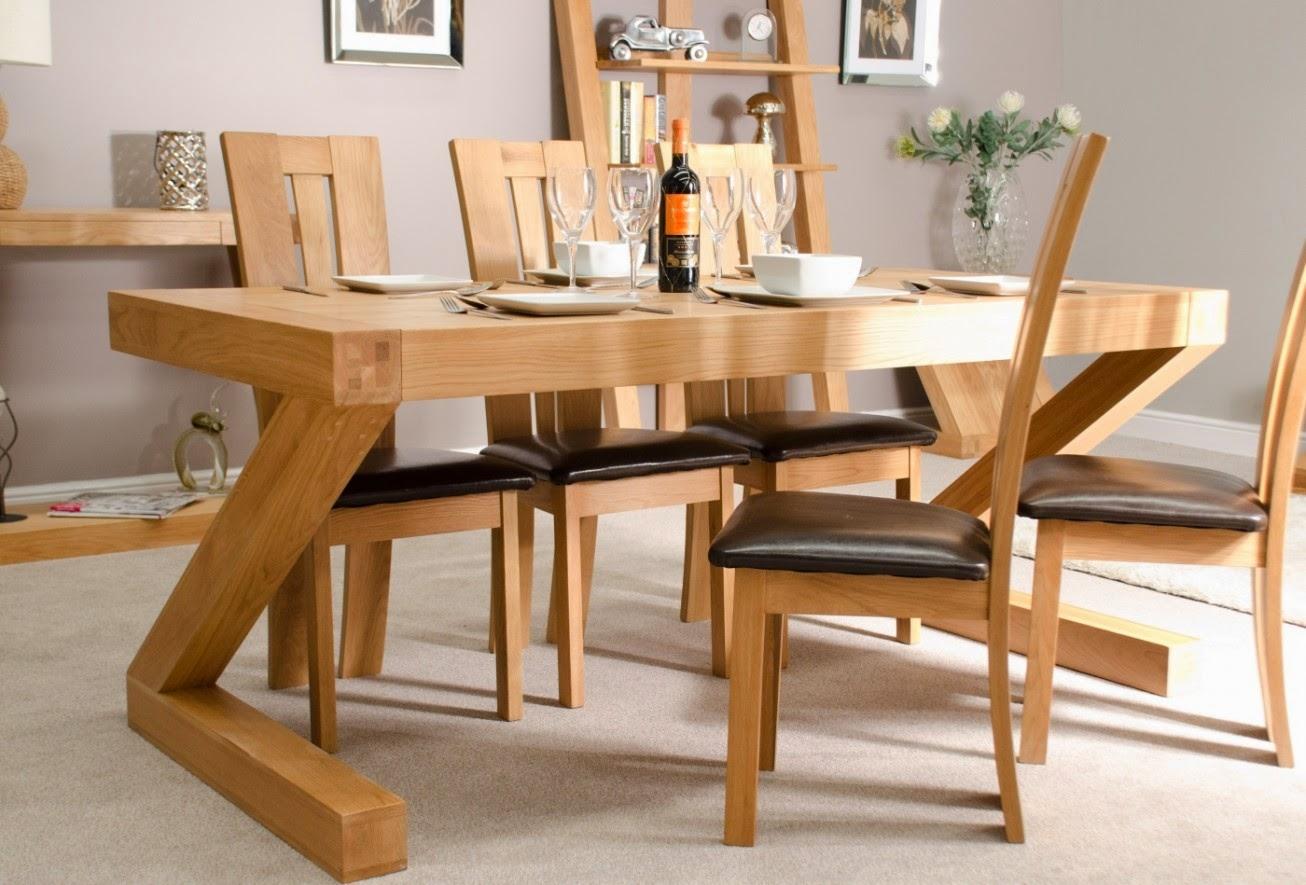 Si vous avez de l'espace, optez plutôt pour des tables de forme carrée ou rectangulaire