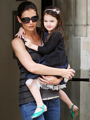 Suri Cruise crying