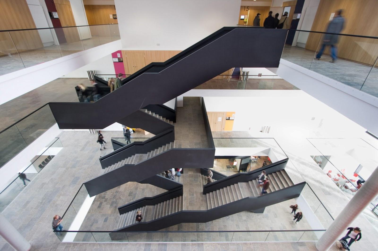 Treppen Frankfurt die treppe eine brücke die geheimnisse der offenen tür