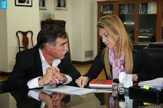 Intendente de Centenario, Javier Bertoldi, y Ministra de Industria de la Nación, Débora Giorgi