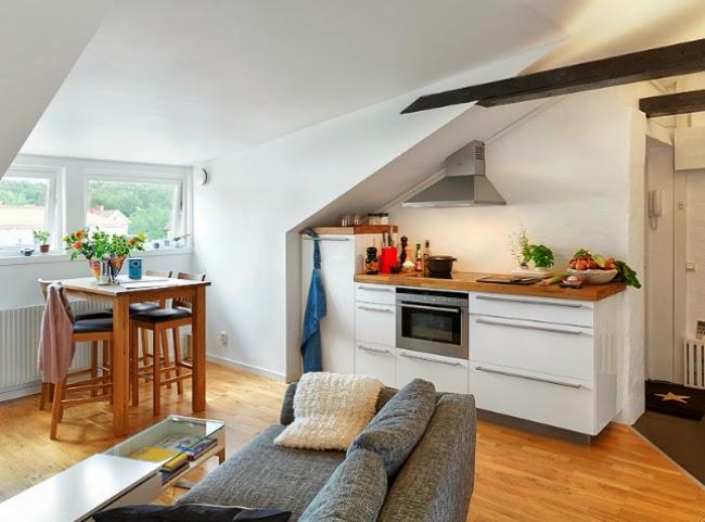 Minipisos y espacios peque os minipiso abuhardillado de 31 m2 for Muebles para apartamentos pequenos