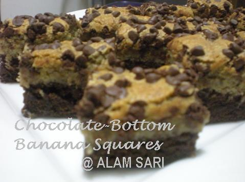 CHOCOLATE-BOTTOM BANANA SQUARES