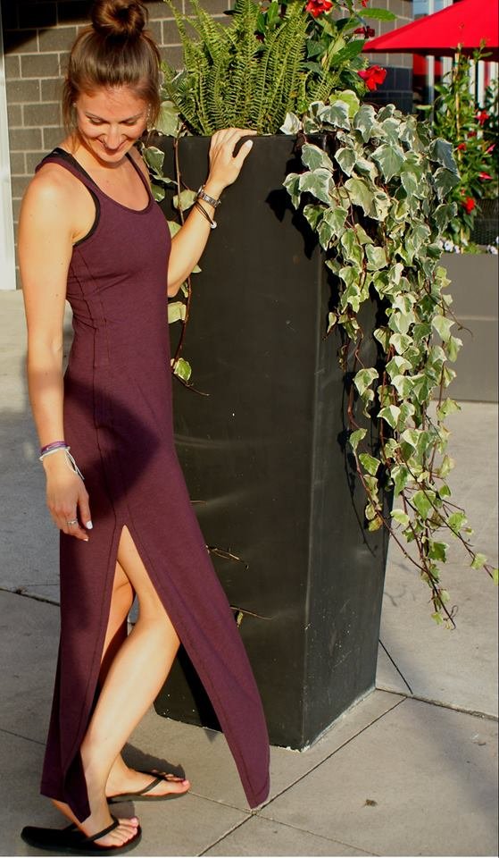 lululemon-refresh-maxi-dress bordeaux