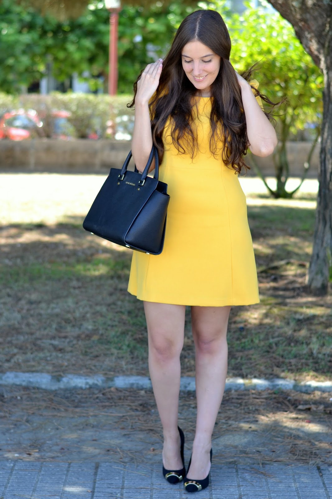 outfits yellow dress