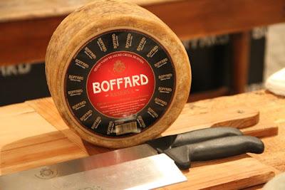 El queso  Samantha Vallejo Nagéra en la presentación de Quesos Boffard. Blog Esteban Capdevila