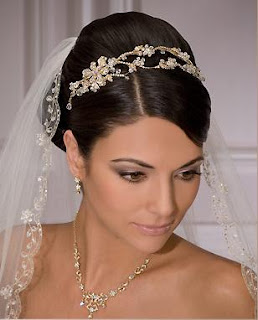 affordable wedding tiaras and veils