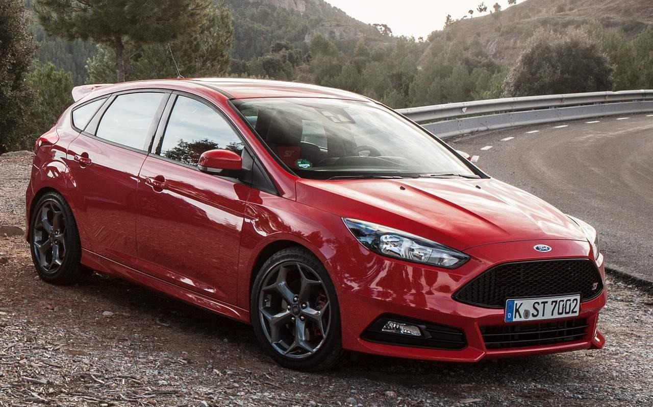 Ford Focus 2015 ST - vermelho