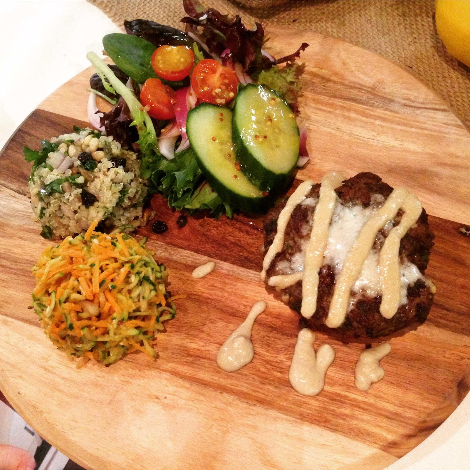 caffe paparazzi, adelaide, food, beef, burger, clean eating, healthy, no bun burger, cafe, dinner, lunch, salad