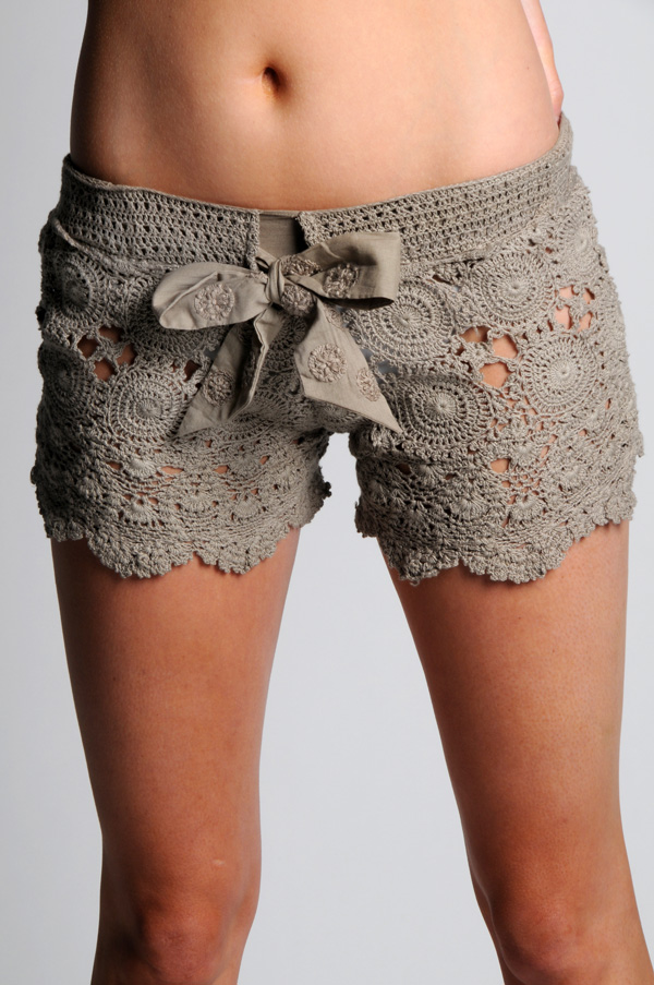 Something borrowed. Crochet shorts. Pattern.