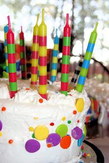 Vanilla frosting on cake