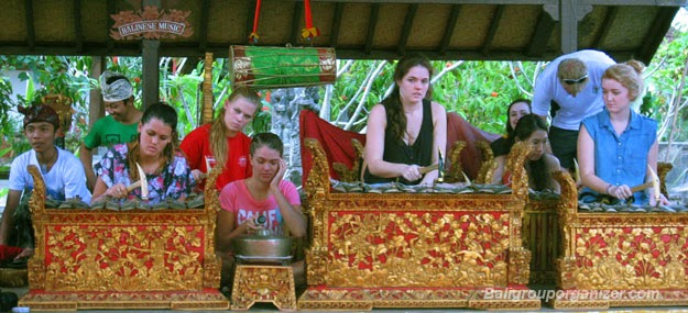 Holiday in Bali, balinese art, balinese culture, wayang, temple, pura, bali dance, hindu bali, adventure, gamelan Bali