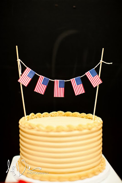 Minneapolis Wedding Cake with Bunting
