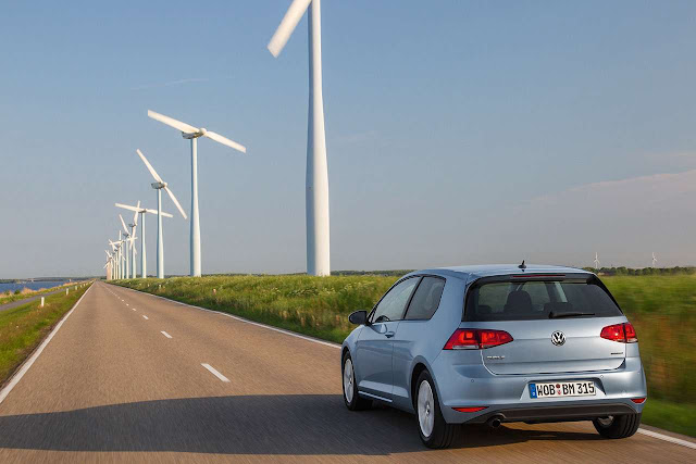 VW Golf TDI BlueMotion Takes Fuel Efficiency to a New Level with 73.5 mpg