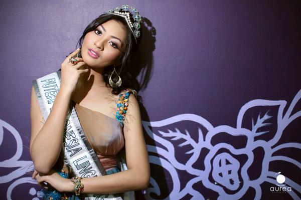 Liza Elly Purnamasari,miss indonesia lingkungan 2011