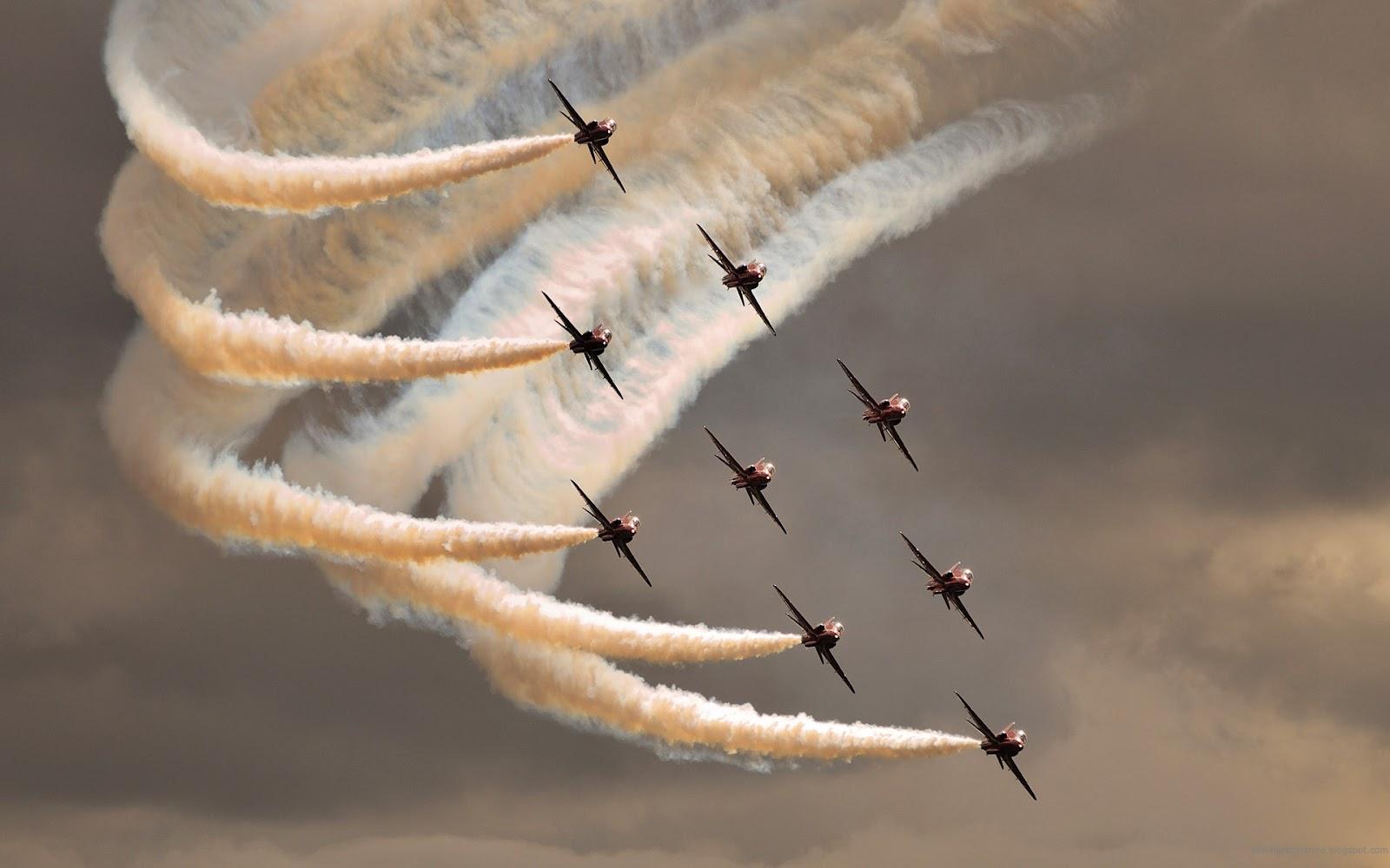http://3.bp.blogspot.com/-yeOCL8UfUck/T4YSqAEdOkI/AAAAAAAAH3s/90mvbkGPA14/s1600/acrobatic_aero_l139_albatros.jpg