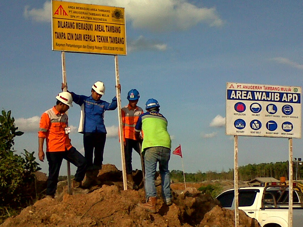 Installation of safety signs