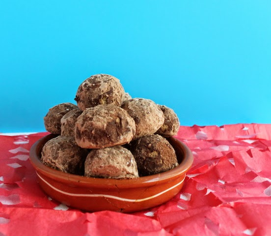 Food lust people love mexican chocolate wedding cookies for Traditional mexican wedding cookies