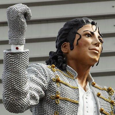 Paintings and Sculptures of the King of Pop Seen On www.coolpicturegallery.us