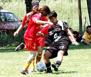 Fútbol femenino… y solidario