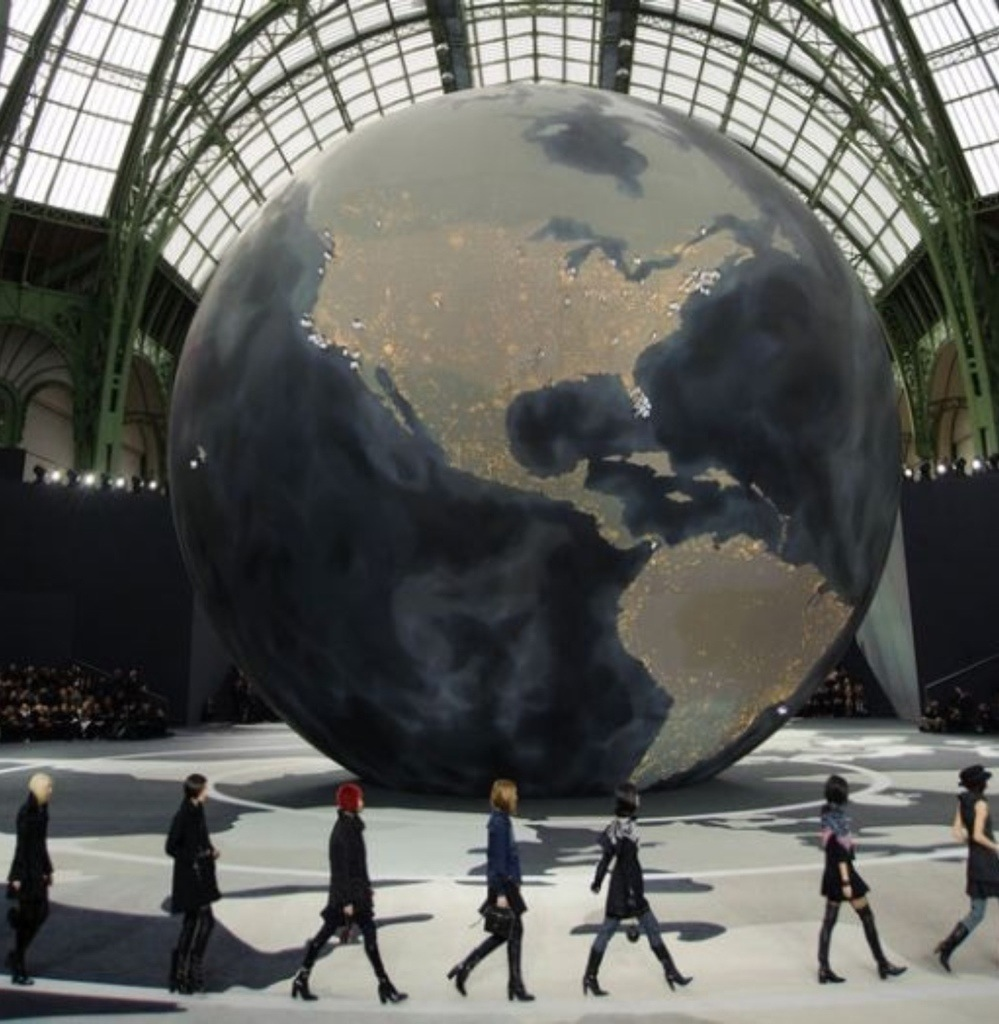 fashion globalization Most fashion is designed in the world's richest countries—and made in the world's poorest who is really paying the price for trendy, low-cost clothing.