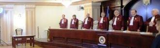 News.ro: Curtea Constituţională repune pe rol, joi, dosarul privind recunoaşterea căsătoriilor gay