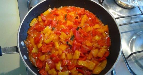 La peperonata al sugo semplice e veloce cucina green for Cucina veloce e semplice