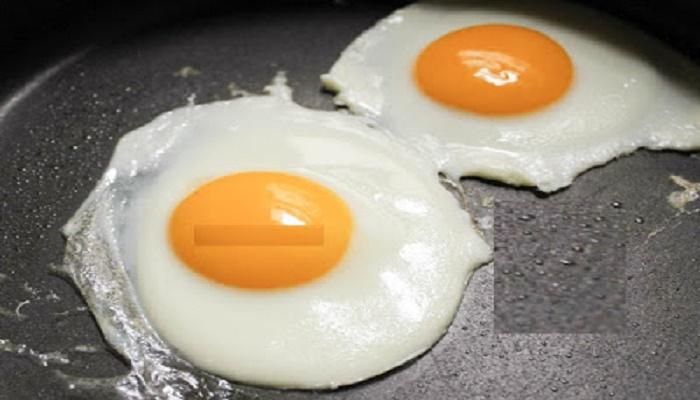 لماذا لا يجب علينا قلي البيض في زيت الزيتون بغير هذه الطريقة