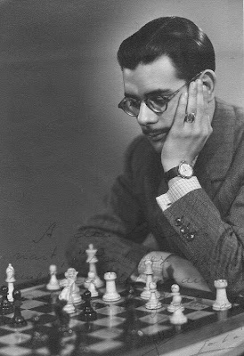 Antonio Medina, brillante vencedor del Campeonato de España de Ajedrez 1944