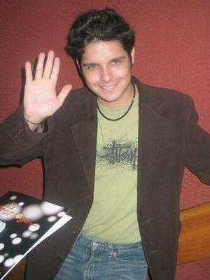 Gian Piero Diaz saludando
