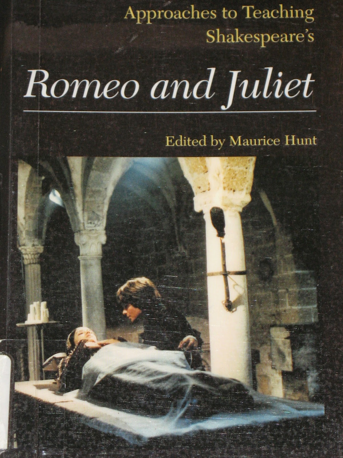 the types of love in shakespeares romeo and juliet Shakespeare's original play, romeo and juliet and luhrmann's appropriated version, both investigate different types of conflict the two texts are set in completely contrasting social and historical contexts of elizabethan england to southern california in verona beach.
