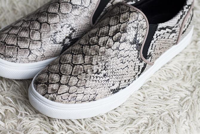 http://3.bp.blogspot.com/-yfqYiiN-or8/UxncDO2VA_I/AAAAAAAAOHY/-7d75PKymyI/s1600/Fashion-Attacks_Snake-print-shoes2.jpg