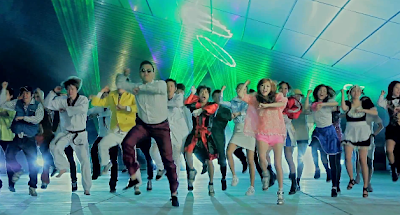 Psy Gangnam Style crowd dance strobe lights