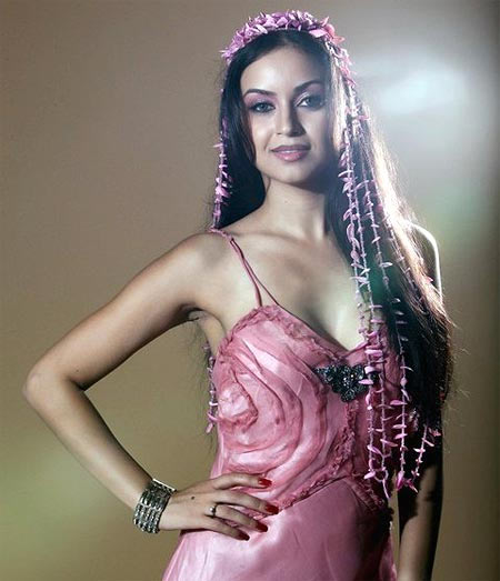 Maryam Zakaria1 - HOT Pink Dress