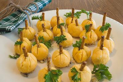 pumpkin patch cheese balls - appetizer