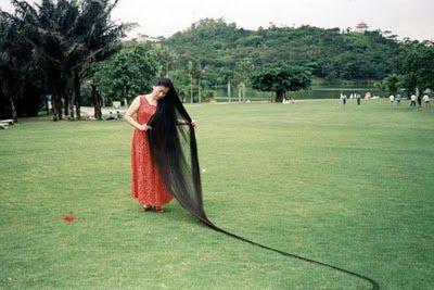 κορίτσι + με + + Μεγαλύτερη μαλλιών