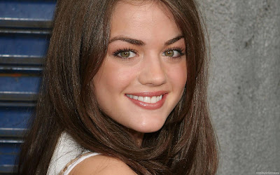Lucy Hale Wallpaper HD-1600x1200