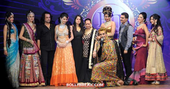 Ankita Lokhande, Manju Bhedne, Dorris Godambe, Imam Siddiquie, Nigaar Khan, Bharat Godambe, Mouli Ganguly, Amy Billimoria - Models &amp; Babes at Bharat &amp; Dorris&#39; Bridal Fashion Show 2012