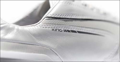 Puma king football boots with white color