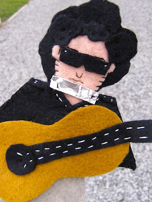 Celebrity Finger Puppets Seen On www.coolpicturegallery.us